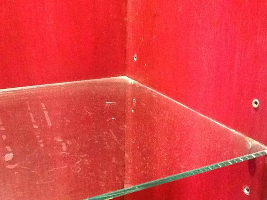 Red Ginger Chic Resort:                                     Dirty bathroom shelves with days/weeks/months/etc of dust?