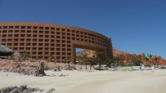 The Westin Los Cabos Resort Villas & Spa: Hotel from the beach