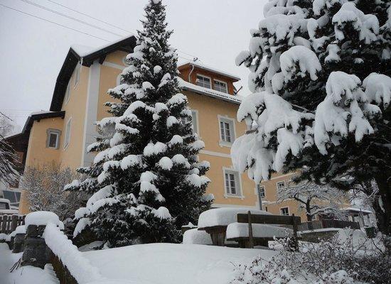Altes Pfarrhaus:                   Good year for skiing