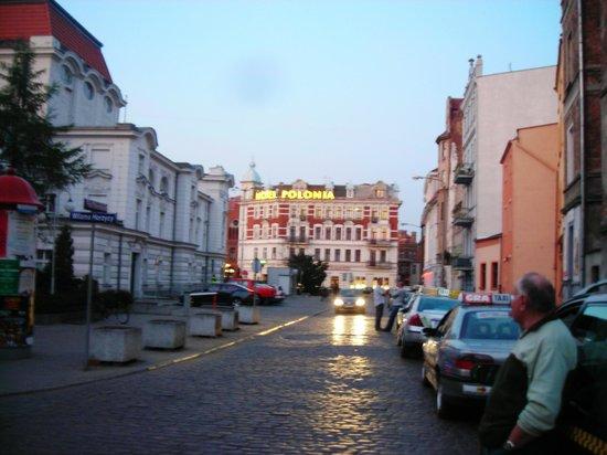 Hotel Polonia:                   Идеальное месторасположение