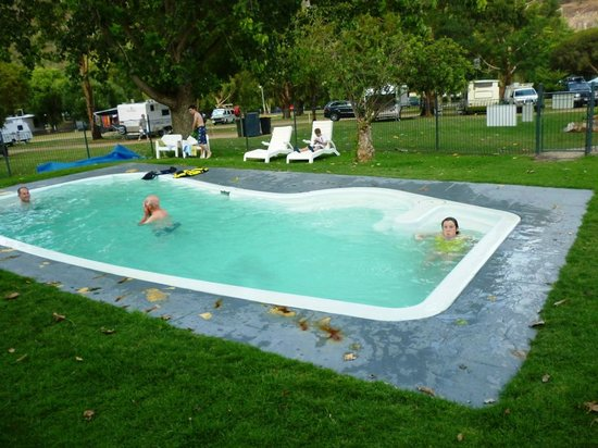 Halls Gap Lakeside Tourist Park: Swimming pool Lakeside Tourist Park