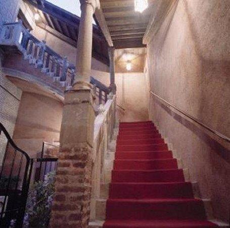 Hotel Pausania: Stairs