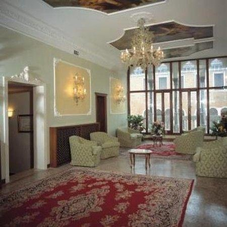 Hotel Pausania照片