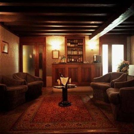 Hotel Pausania: Bar