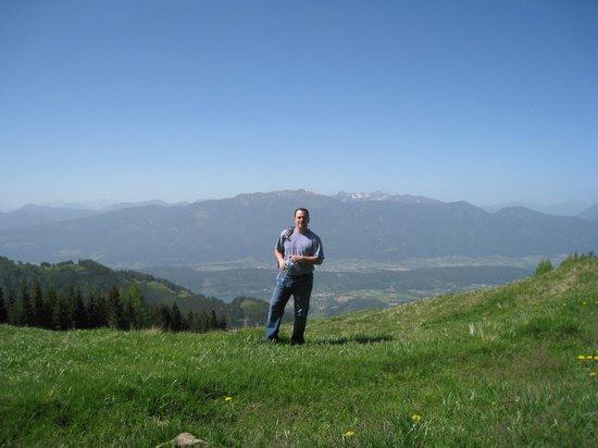 Altes Pfarrhaus:                                     mountain walks from the doorstep