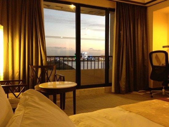Sofitel Philippine Plaza Manila:                                     Bay view room