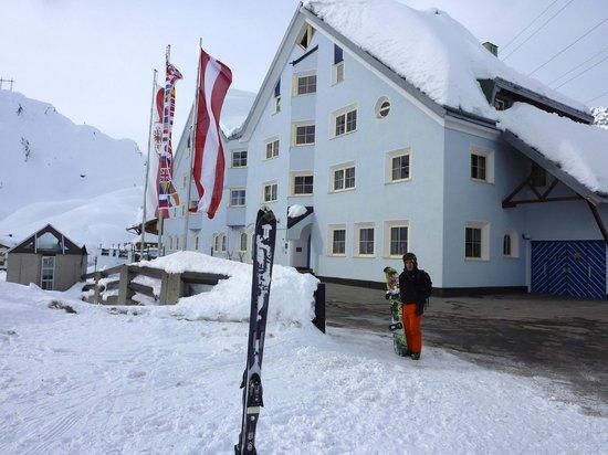 Alpenhotel St. Christoph:                                     Front view