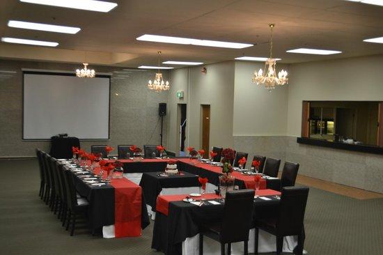 The Victoria Hotel Dunedin:                   Small intimate wedding reception