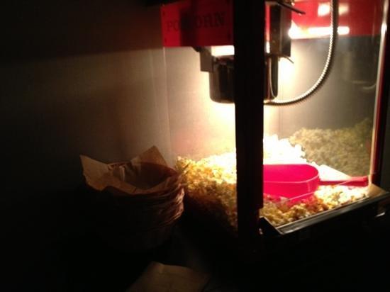 Hilton Atlanta Perimeter Suites: who doesn't like popcorn?