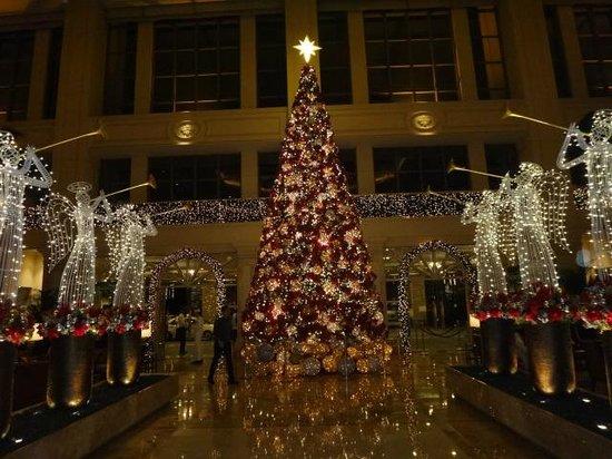 The Peninsula Manila:                   Hotel Lobby