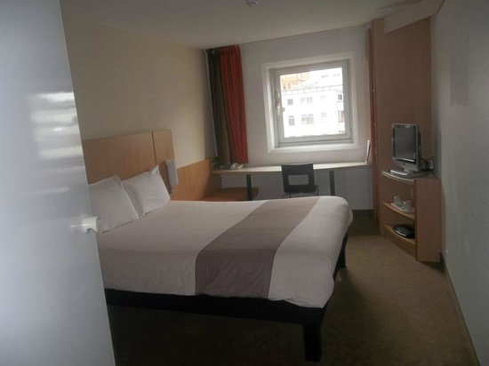 ibis Manchester Centre Princess Street Hotel: Room