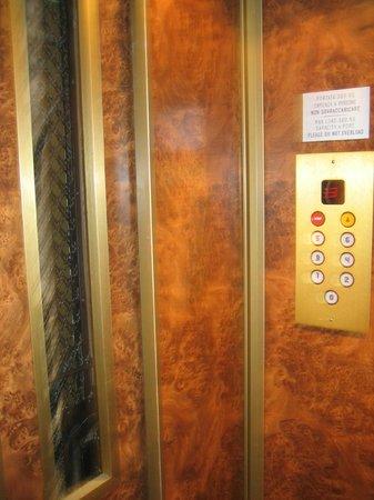 BEST WESTERN Hotel Astrid: Elevator
