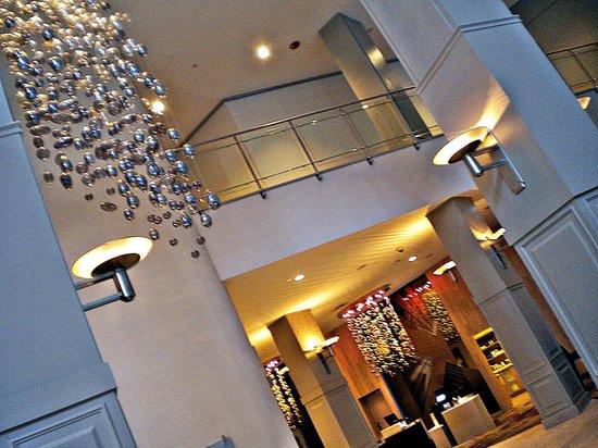 Swissotel Chicago: Lobby
