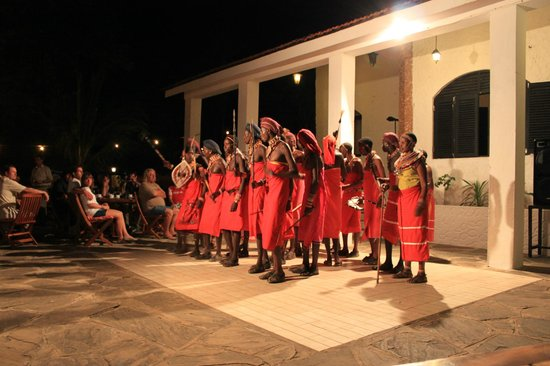 Diani Sea Lodge:                   evening show