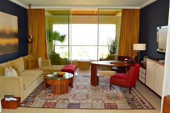 Raffles Dubai: Signature Room