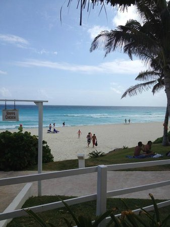 Grand Oasis Cancun:                   beach
