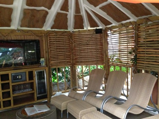 Center Parcs Sherwood Forest: The large cabana for 8 people - comfy loungers