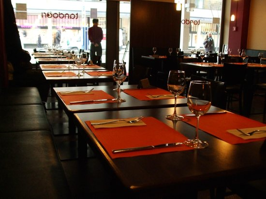 Tandoori BBQ: Seating area