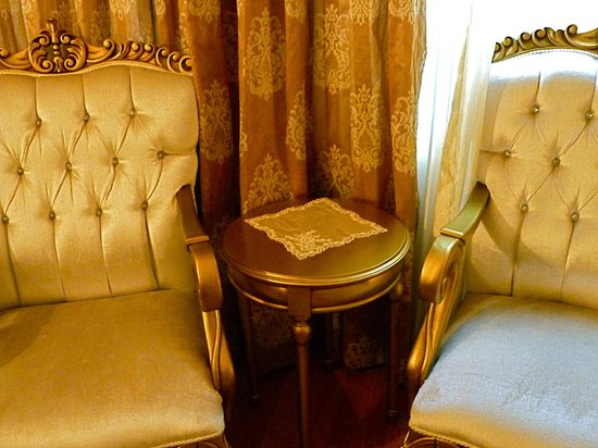 White House Hotel Istanbul:                   Sitting area, hotel room