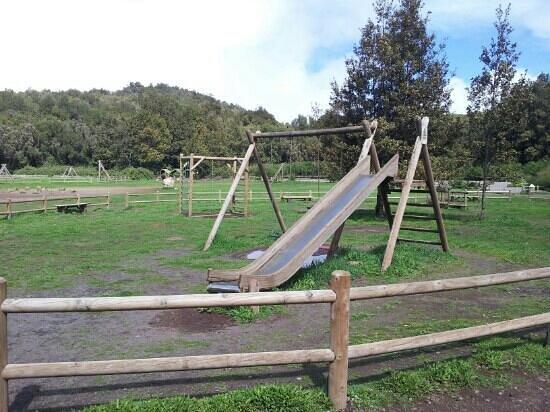 La Laguna Grande:                   Parque infantil