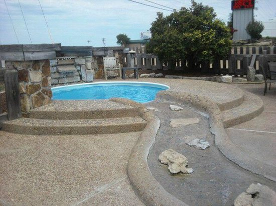 Quail's Nest Inn & Suites: Kiddie pool