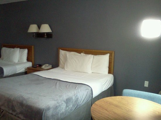 Quail's Nest Inn & Suites: 2 Queen