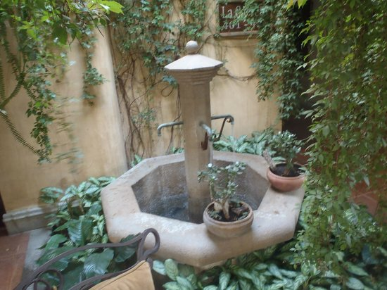 Camino Real Antigua:                   One of many fountains