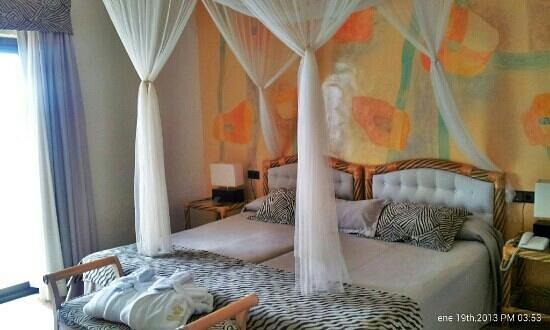 Servigroup Montiboli :                   habitación romántica