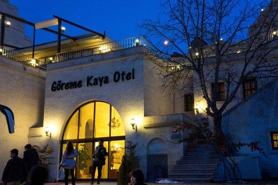 Goreme Kaya Hotel:                   ホテルの玄関