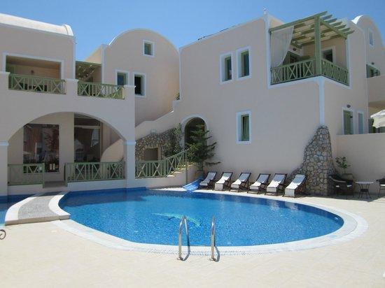Anassa Deluxe Suites:                   Hotel Pool