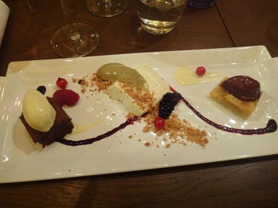 Kolo Restaurant: Sampler dessert plate