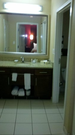 Residence Inn Florence: View of bathroom sink area from bedroom door