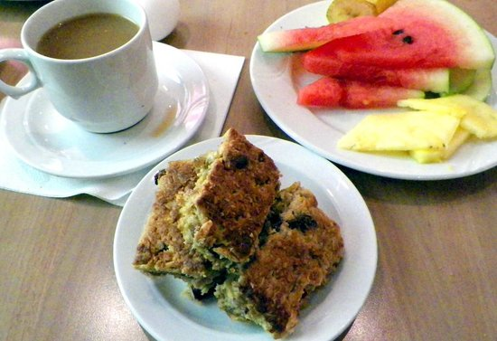 CenterHotel Plaza:                   good homemade oatmeal bars