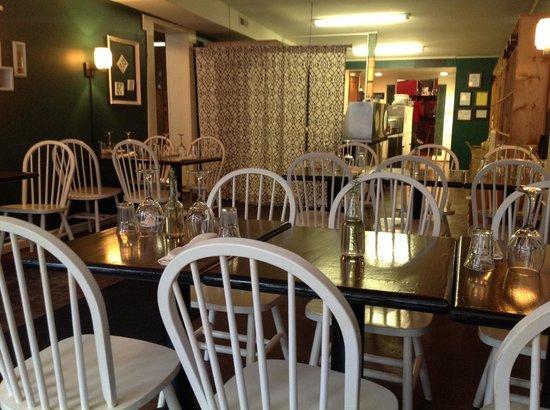 Vino124 :                   Restaurant interior