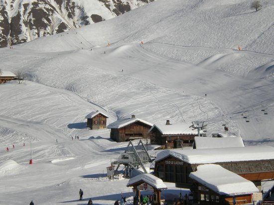 Hotel les Glaieuls :                   Just one of the many ski area's.