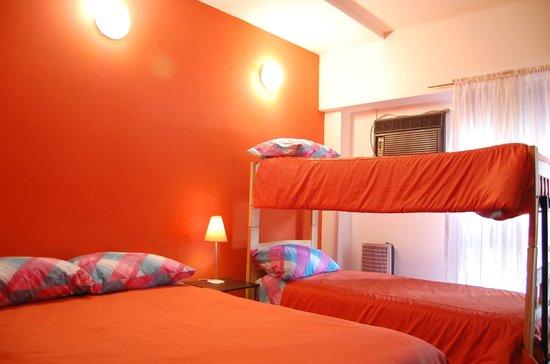 Punto Patagonico Hostel:                   Habitación familiar amplia