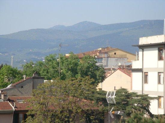 هوتل لوندرا: Love the view from the terrace