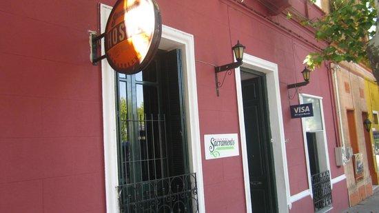 Sacramento Hostel: Entrada