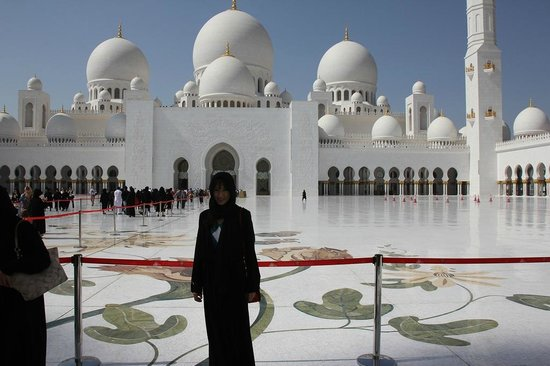 Sheikh Zayed-moskéen: In jubah and it's hot, hot or hot.