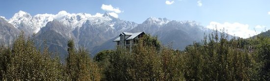 The Grand Shamba-La: The hotel building with Kinner Kailash mountain