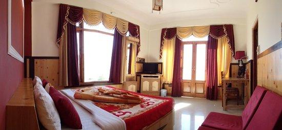 The Grand Shamba-La: A room on the third floor