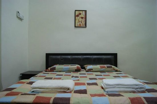 YYK 1Borneo Condominium: Queen size bed