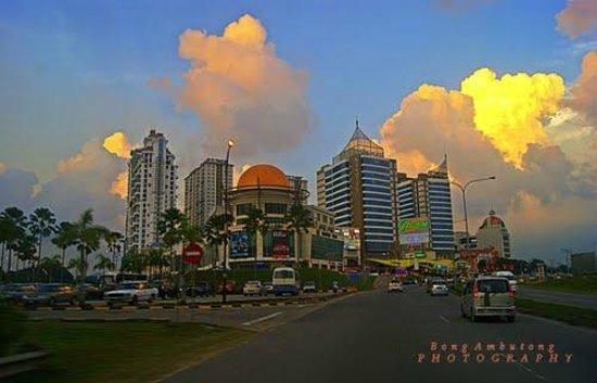 Master Room - Picture Of Yyk 1borneo Condominium  Kota Kinabalu