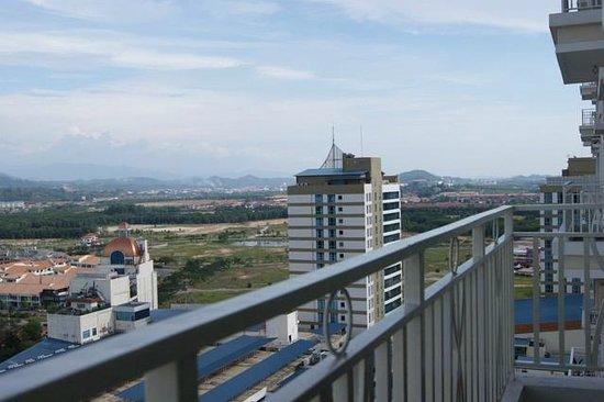 YYK 1Borneo Condominium: Balcony view