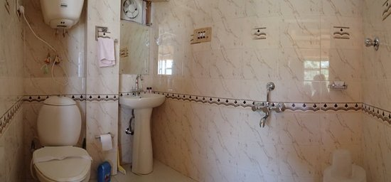 The Grand Shamba-La: One of the attached bathrooms