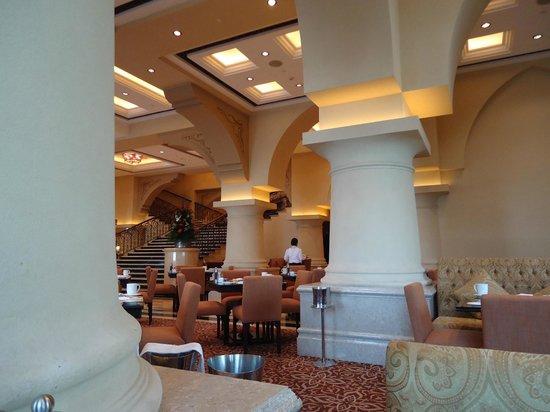 Sofra BLD: palace-like dining room