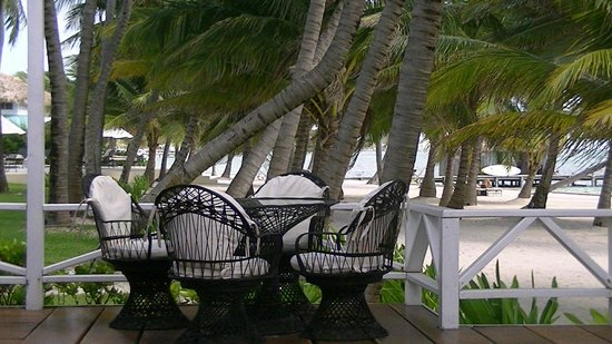Victoria House Resort & Spa:                   Rainforest Suite deck
