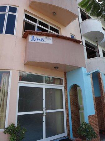 Hotel UI Inn:                   Main lobby doors