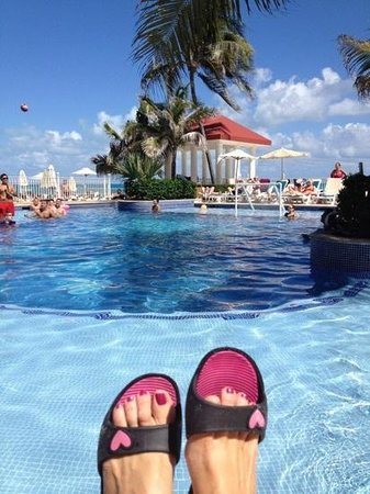 Hotel Riu Cancun:                   relaxing at the pool
