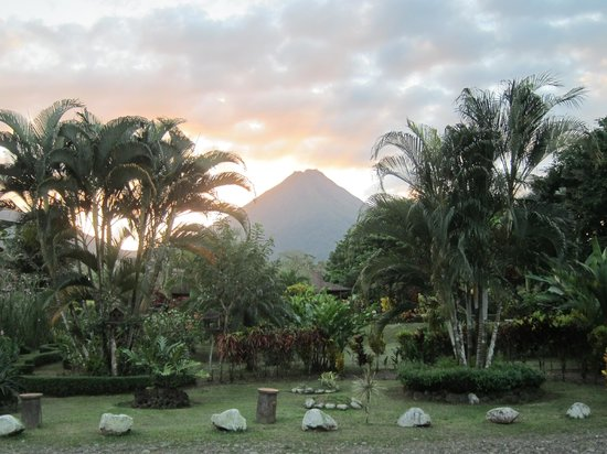 Hotel Arenal Montechiari:                   View of Arenal volcano from hotel